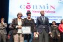 Mariluz Sanz y Carmen Burgui en el momento de recibir el reconocimiento